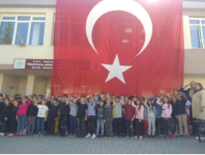"""МОН го осуди организирањето на ученици во политички цели во ОУ """"Мустафа Кемал Ататурк"""" во Гостивар"""