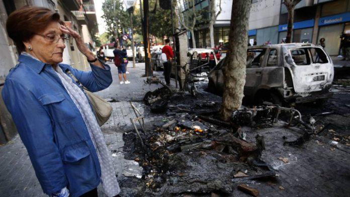 Протестите во Барселона излегоа од контрола