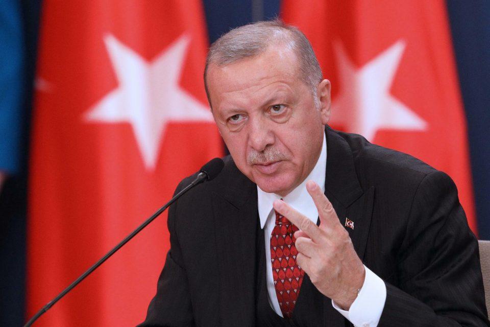 Ердоган: Околу 250.000 сириски бегалци се обидуваат да влезат во Турција