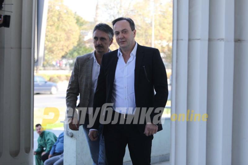 Мијалков не е во домот на Водно, полицијата го бара и во Мериот