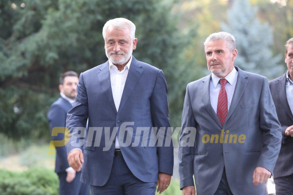 Тачи има три услови за коалиција со СДСМ, едниот од нив е да биде вицепремиер