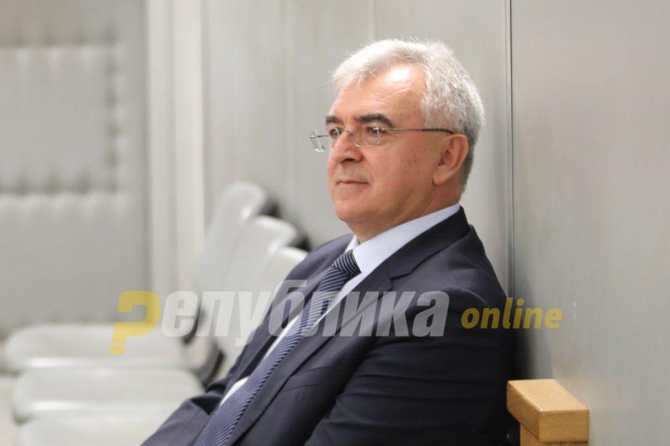Верушевски бара оштета од 70 илјади евра од државата