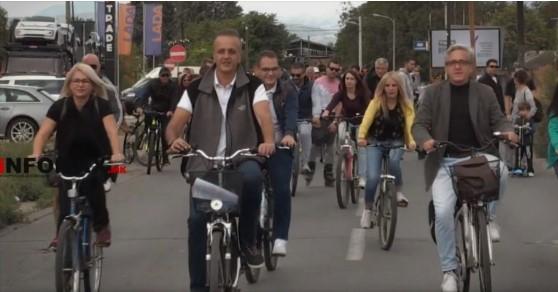 """Велосипедистите од Карпош ја блокираа """"Скупи"""", Шилегов и Богоев само ветуваат, но не прават ништо за безбедноста"""