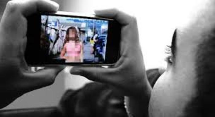 """Тинејџер од Куманово на """"Фејсбук"""" споделувал компромитирачко фото од поранешната девојка"""
