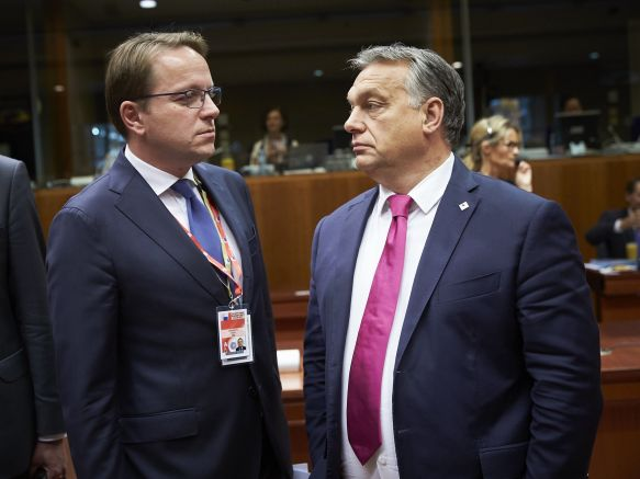 Оливер Вархели нов предлог на Орбан за местото на Јоханес Хан