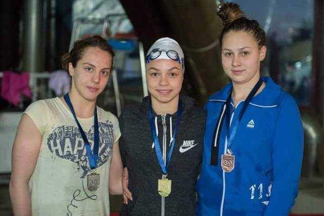 Оваа македонска пливачка урна 11 државни рекорди
