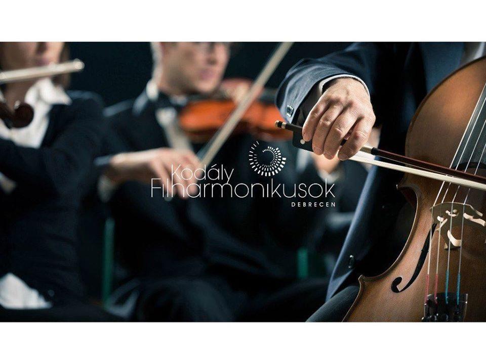 """Есенски музички свечености: Концерт на Филхармонискиот оркестар и хор """"Кодај"""" со солистот Барнабаш Келемен"""