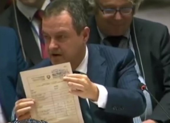 Дачиќ: Среќно патување, само не ги допирајте Србите