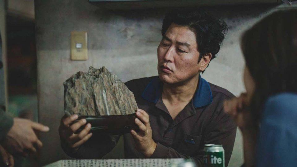 """""""Паразит"""" го победи """"Медена земја"""" и го освои Оскарот за најдобар странски филм"""