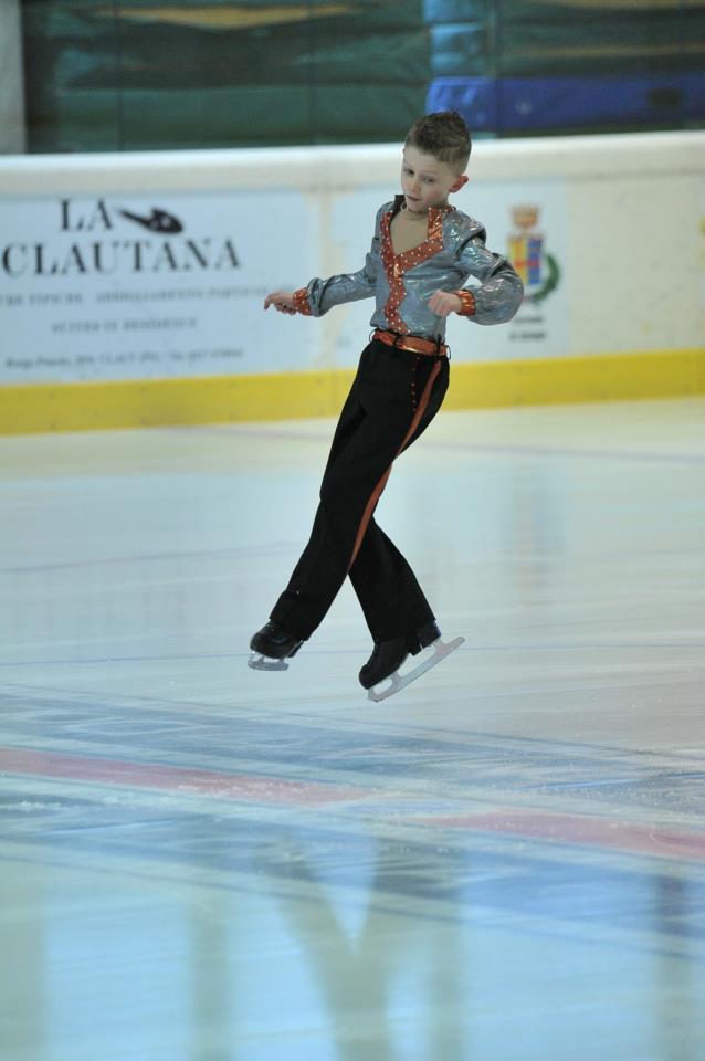 Селдин Салиу прв пат настапи за Македонија: Второ место на натпревар во уметничко лизгање во Италија