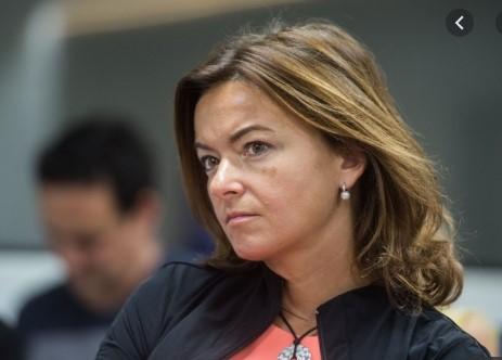 Taња Фајон: Франција ја држи цела ЕУ за свој заложник