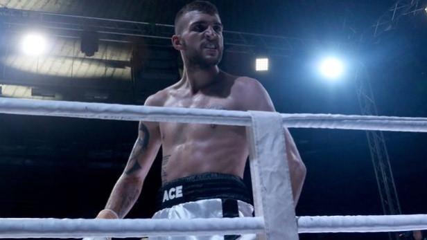 Вељко Ражнатовиќ  по свадбата влегува во рингот