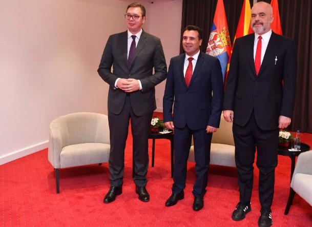 """Курти: """"Мини шенгенот"""" е намера на Србија да создаде четврта Југославија"""