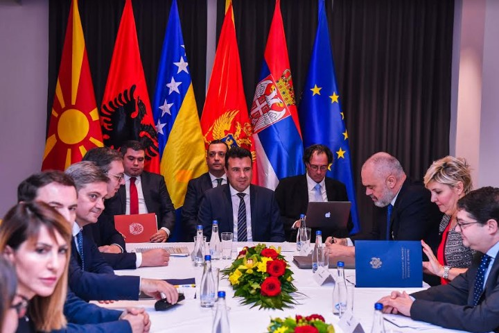 Спласна оптимизмот: Српски министер вели дека тешко ќе се спроведе она што го договорија тројцата лидери во Охрид