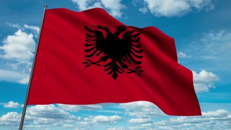 Албанец протеран од Црна Гора зошто развиорил албанско знаме на манифестација во Бар
