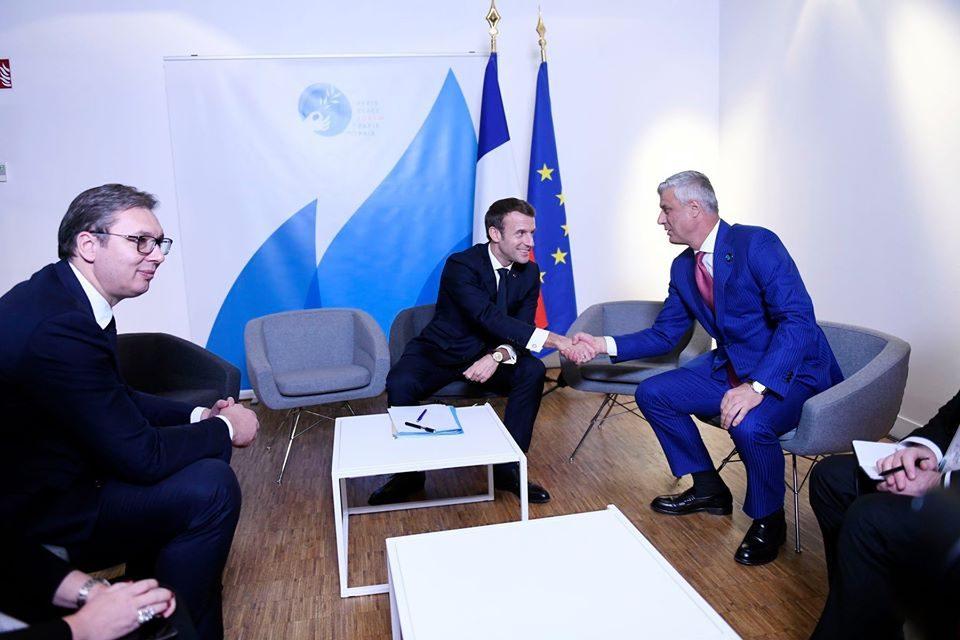 Макрон ненадејно ги повика Вучиќ и Тачи на состанок
