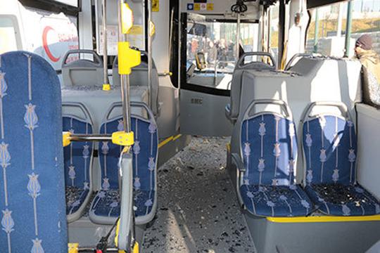 Возач на автобус влетал на постојка во Истанбул, 13 повредени