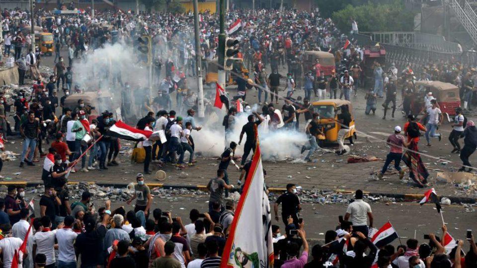 Продолжуваат антивладините протести во Багдад