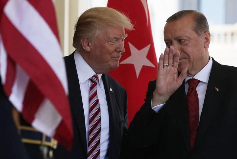Ердоган огорчен од писмото на Трамп, му го вратил лично!