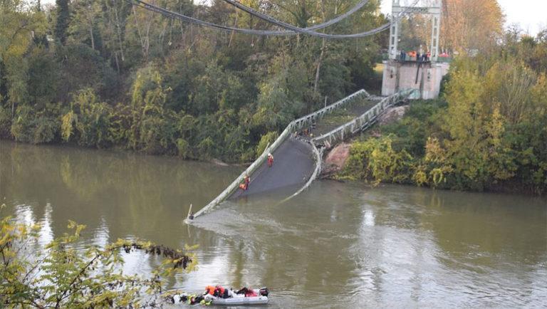 Едно момче загина при уривање на висечки мост во Франција