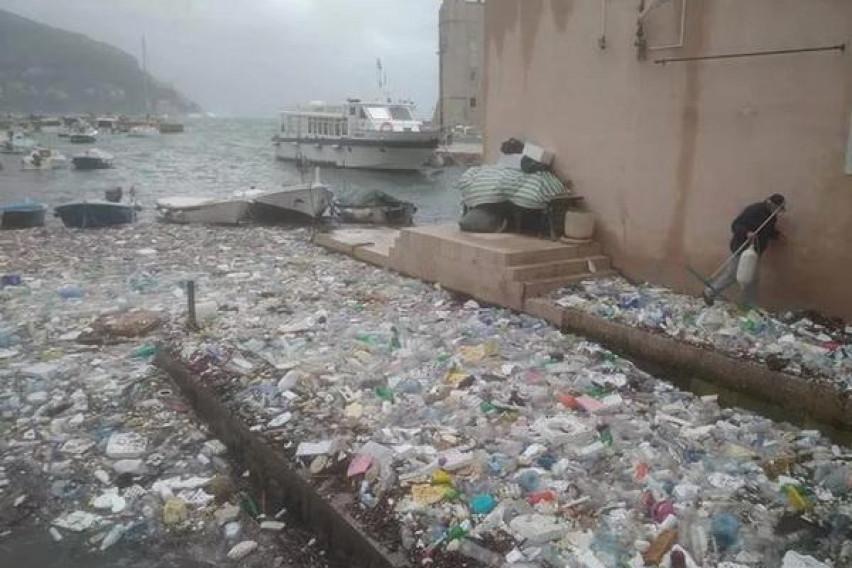 Јадранското Море исфрли тони ѓубре кај Дубровник