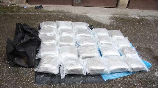 Запленети 90 килограми хероин во автобус