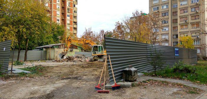 """Граѓаните бесни, почна да гради објект кај """"Браќа Миладиновци"""" во Аеродром"""