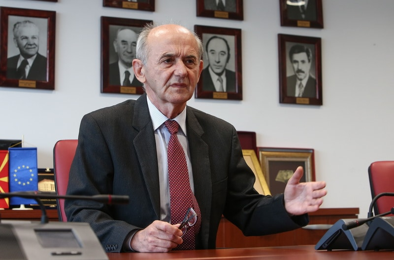 Јовески: Апсурд е секретар да има поголема плата од претседателот на државата