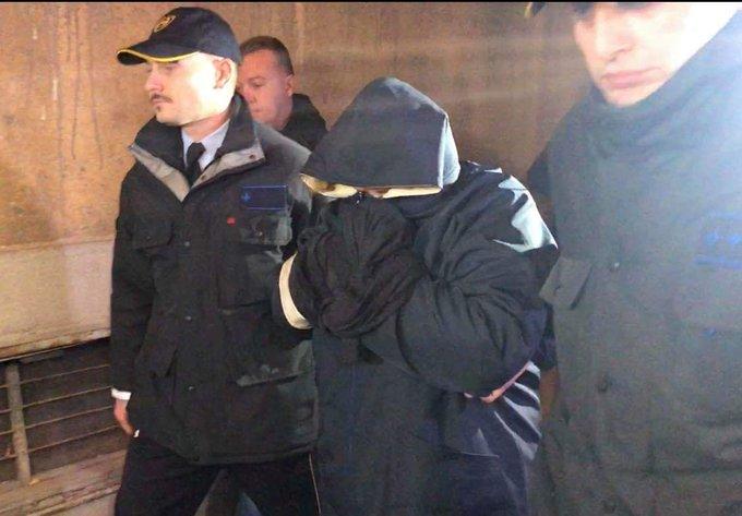 Фуркан пак ја пречека Катица: Дали таа јакна може да ви го сокрие срамот?