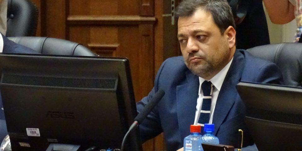 Остави пустош во економијата: Кочо Анѓушев ја напушти владата