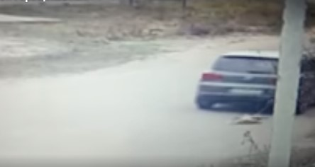 Здруженијата за заштита на животни згрозени: Политичар влечеше куче за возилото