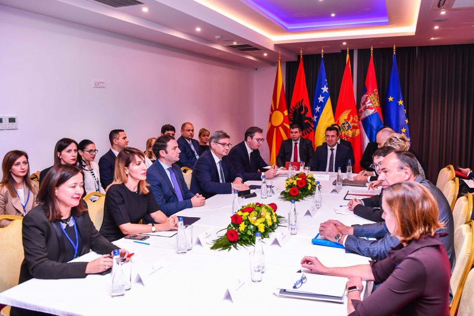 Рама: Курти не смее да ја отвори границата кон Албанија без согласност од Белград