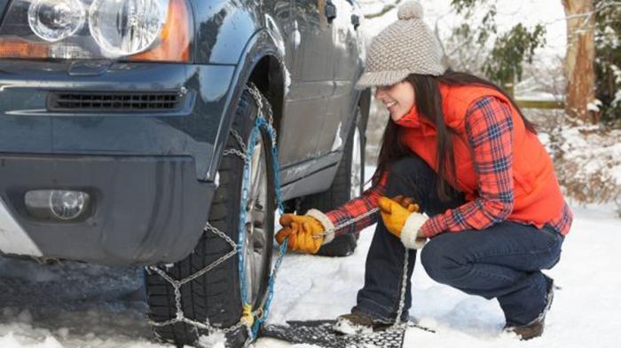 Задолжително: Од 15 ноември секое возило треба да има зимска опрема