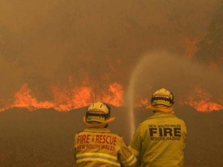 Најмалку четворица загинати во пожарите во Австралија