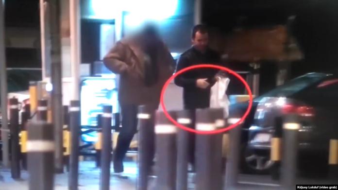 Потврдена автентичноста на снимката на која руски разузнавач врбува српски агент