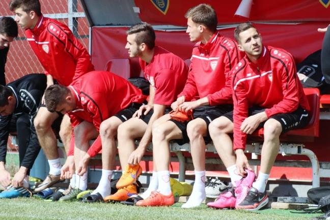 Опремата на македонската фудбалска репрезентација У21 задржана на аеродром во Шпанија, не можеле да одржат тренинг