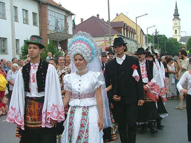 Унгарките масовно се мажат за субвенции, даночно ослободување и простени кредити