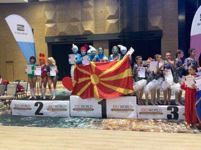Македонските танчери светски шампиони во латино шоу