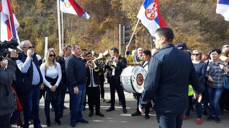 Со трубачи и тапани отворен Коридорот 10, Вучиќ и Борисов наздравија со вино