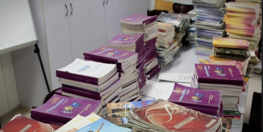 Поради стереотипни и дискриминаторски содржини, МОН го повлече учебникот по македонски за петто одделение