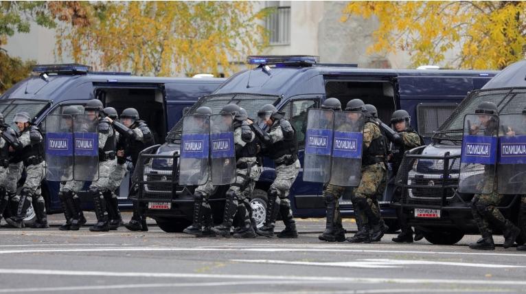 Полициските специјалци по повеќе од 40 години добија нови интервентни возила