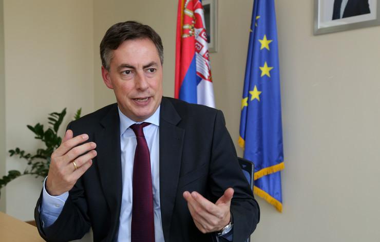 Мекалистер: ЕУ да ја поправи грешката со неотпочнувањето преговори со Македонија и Албанија