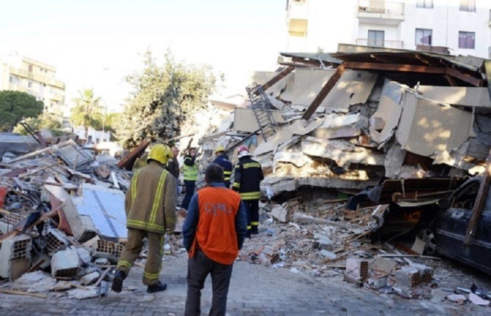 Чудо во Албанија: Спасителите два дена по земјотресот расчистувале, а потоа сите почнале да викаат
