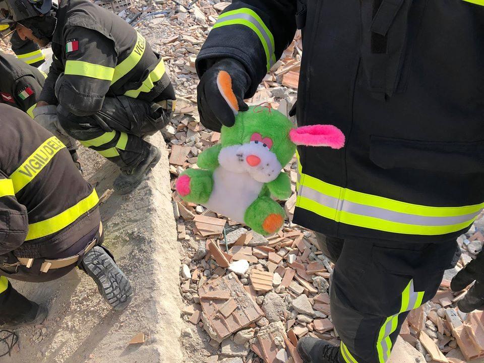 Пожар во Атина во близина на детско село
