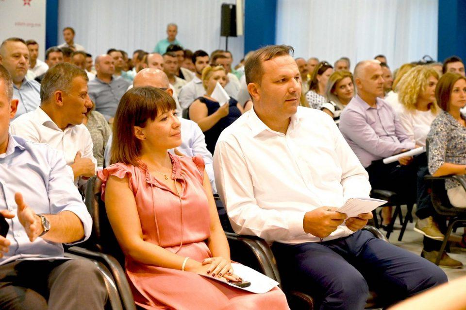 Двајца кандидати за наследник на премиерот во заминување