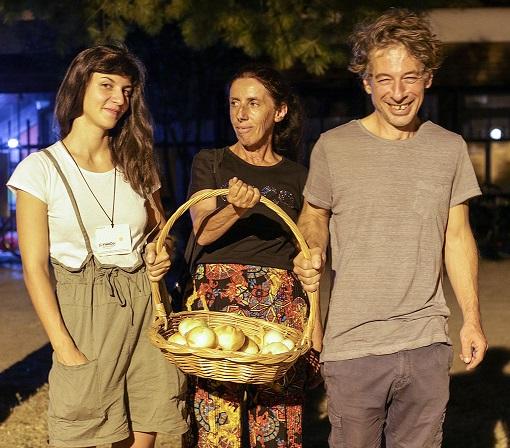 Македонките Мила и Љупка од Џу Џерси ќе ја шминкаат Атиџе за вечерашните Оскари
