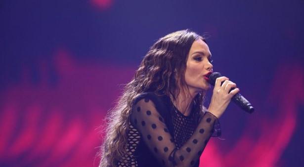 """""""Родено мое"""": Северина се расплака на концерт кога пееше за синот"""