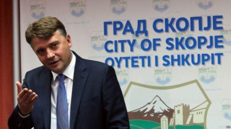 Шилегов вработува 175 партиски војници додека фирмите отпуштаат луѓе поради корона кризата