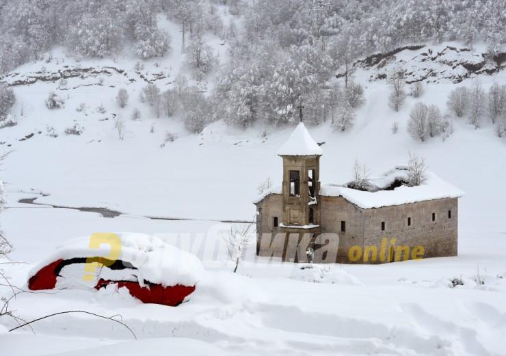 Утрински температури над нулата, најмногу снег на Попова Шапка