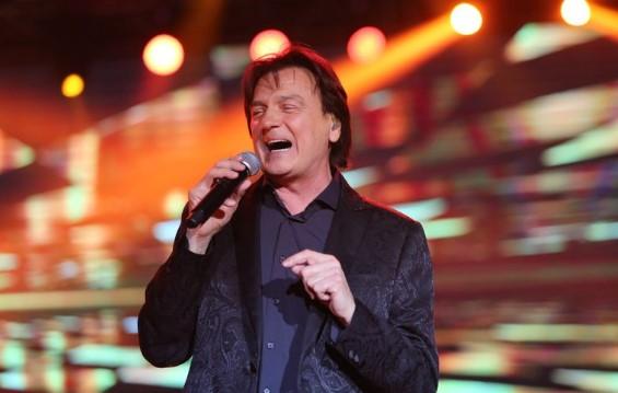 Пееше три часа без престан на 68 години: Здравко Чолиќ со одличен концерт во Арена
